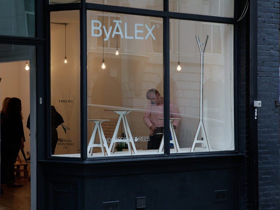 modern-wood-furniture-british-design-byalex-popup-shop-002