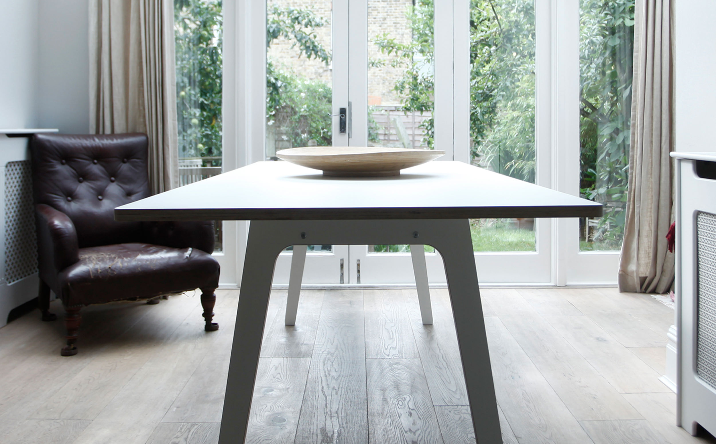 modern-wood-ks-dining-table-white-detail-2